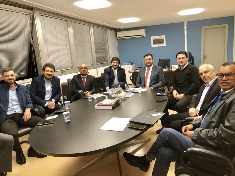 Reunião na Sefa com Carlos Emil Kahali, Diretor de Assuntos Econômicos e Tributários (DAECT) da Sefa, o diretor-Geral da Sefa, Fernades dos Santos e José Maurino de Oliveira Matins, secretario executivo.